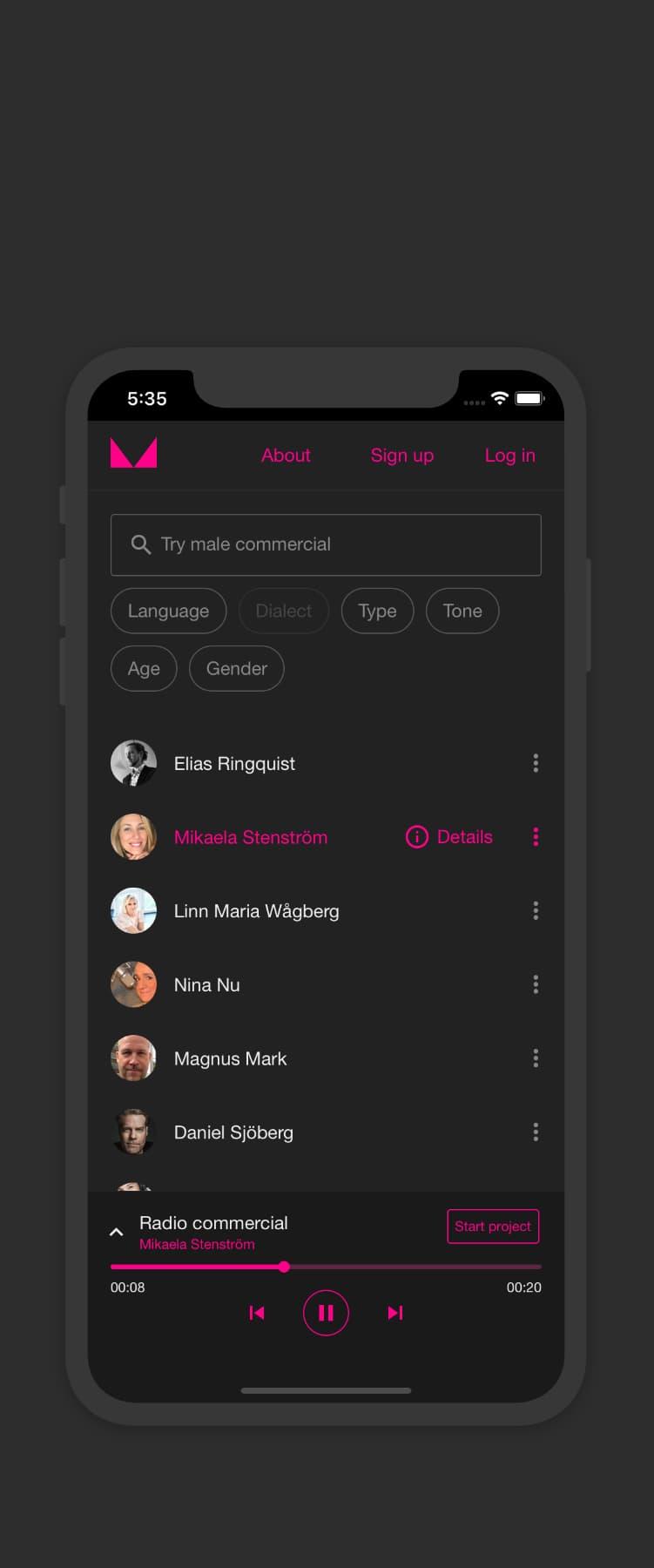 Skärmdump som visar hur Voicemachine ser ut på en mobil. Voicemachine ger möjlighet att söka röster och lyssna på deras röstdemos.