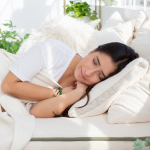 AVOCADO MOLDED LATEX PILLOW - Best Pillow for Side and Back Sleepers: Great Neck Support Pillow