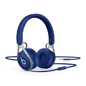 Beats Ep Wired On-Ear Headphones - Best On Ear Headphones Under 100: It features a built-in mic