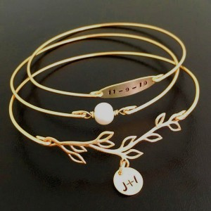Frosted Willow Bracelet for Bride - Best Jewelry for Strapless Wedding Dress: Add your initials and wedding date