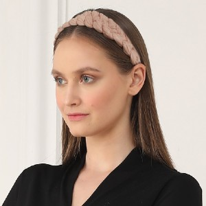 KENDRA SCOTT Braided Headband In Blush Pink - Best Headbands for Women: With a Classic Silhouette
