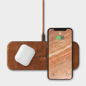 COURANT CATCH:2  - Best Wireless Charger for Multiple Devices: Premium Pebble-Grain Italian Leather