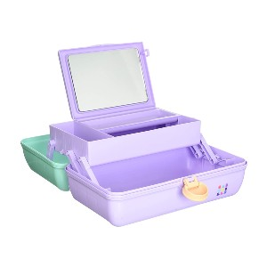 Caboodles This Caboodle On-The-Go Girl Sea foam Lid makeup case adds a playful hint to your look as you carry it around here and there because the structure is like your childhood game - since it iscombined with a variety of light colors. In addition, the tray is equipped with an auto-open mechanism. - Best Makeup Case Organizer: Made in the USA