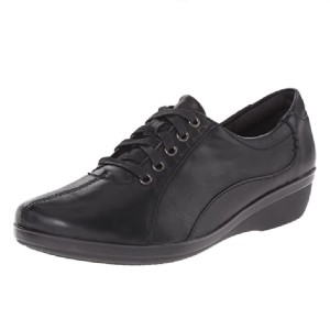Clarks Women's Everlay Elma Oxford - Best Safety Shoes for Walking on Concrete: Feminine Touch Work Shoes