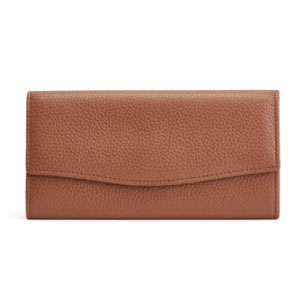 Cuyana Classic Flap Wallet - Best Wallet for Women: Simple wallet with feminine flap detail