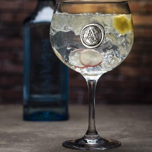 English Pewter Company Personalized Gin Glass With Your Choice of Initial - Best Glass for Gin and Tonic: Features An Elegant Wax Seal Style Pewter Padge