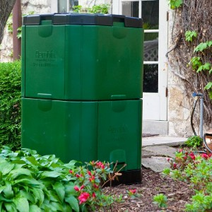 Exaco Trading Co. 123 Gal. Aerobin 400 Insulated Compost Bin - Best Compost Bin for Beginners: Works well in the cold