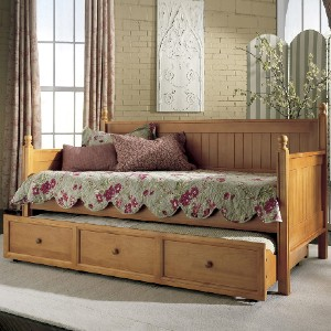 Fashion Bed Group Casey II Wood Daybed with Ball Finials and Roll Out Trundle Drawer - Best Daybeds with Trundles: Country Casual Daybed