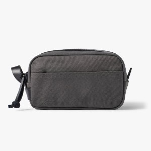 Filson RUGGED TWILL TRAVEL KIT - Best Toiletry Bags for Men: Durable bridle leather construction