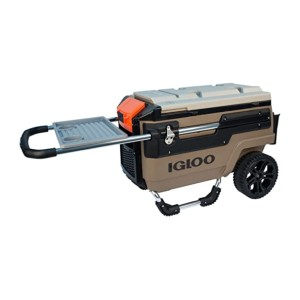 Igloo Trailmate Journey - Best Wheeled Coolers for the Beach: Comes with a tray