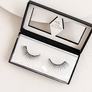 House of Lashes®. Lavish Noir - Best Lashes for Asian Eyes: Stay Gorgeous in These Discrete yet Glam Lashes