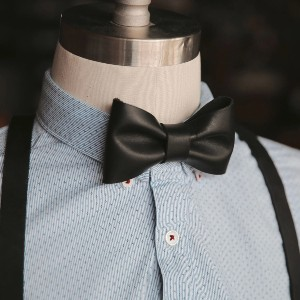 Holtz Leather Leather Bow Tie - Best Ties for Black Shirts: Absolute classic elegance