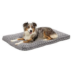 MidWest Homes for Pets Deluxe Super Plush Pet Beds - Best Dog Beds for Large Dogs: Ultra-Soft Synthetic Fur Design