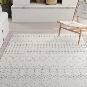 Mistana Lucienne Geometric Gray Rug - Best Rugs for Dining Rooms: Stylish and Versatile Rug for Aesthetically Pleasing