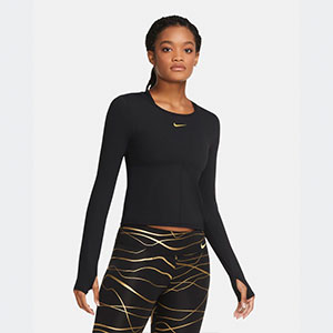 Nike Women's Long-Sleeve Running Top Nike Icon Clash - Best Women's Running Shirts: Long sleeve running shirt with thumbholes at the wrist