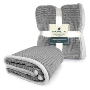Pavilia Premium Chevron Sherpa Throw Blanket - Best Blanket for Cold Weather: Nice Combination Blanket Materials