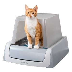 PetSafe ScoopFree Ultra Automatic Self Cleaning Hooded Cat Litter Box - Best Self Cleaning Litter Box for Multiple Cats: Automatically Removes Waste