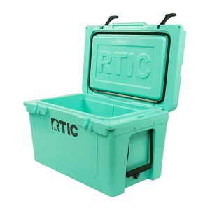RTIC Ice Chest Hard Cooler - Best Cooler Bags for Beach: Everything you want