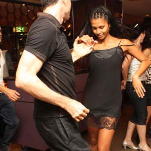 IDance.Net Salsa Dance Lessons on IDance.Net - Best Online Salsa Classes: 5 instructors to guide you to the top