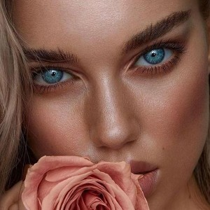 Carichs Sea blue - Best Contact Lenses for Dark Eyes: Designed to Blend Well with Any Natural Eye Color