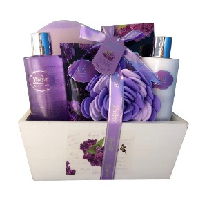 Lovestee Spa Basket with Lavender Fragrance - Best Gift for Young Mom: Uplifted and perfumed all day