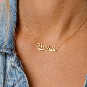 Sparklane Nameplate - 70's - Best Necklace for Girlfriend: Nameplate Necklace