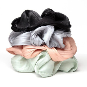 Kitsch Textured Dinner Scrunchie  - Best Scrunchies for Curly Hair: Elevate Your Every Day Hairstyles