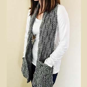 The Best Knits Scarf With Hand Pockets - Best Scarves for Winter: Practical and functional.