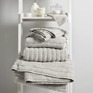 The White Company Rib Hydrocotton Towels - Best Towels to Buy: Fast-Drying Towel