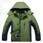 10 Recommendations: Best Raincoats for Cold Weather (Oct  2020): The stretchable glove with the thumb hole