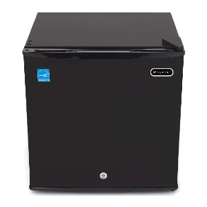 Whynter CUF-110B 1.1 Cubic Feet Upright Lock Freezer - Best Freezer for Hot Garage: The most compact