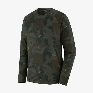 Patagonia Capilene® Midweight Crew - Best Base Layers for Snowboarding: Base Layer with Raglan Sleeves