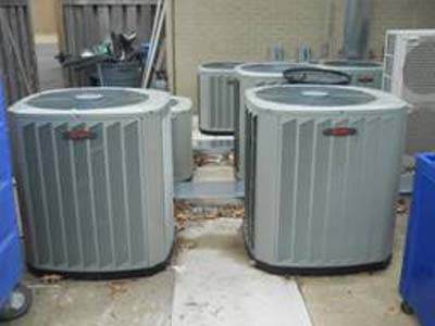<p><strong>Meadowbrook Country Club, West Memphis, AR</strong></p> <p>Air Conditioning Installation</p>