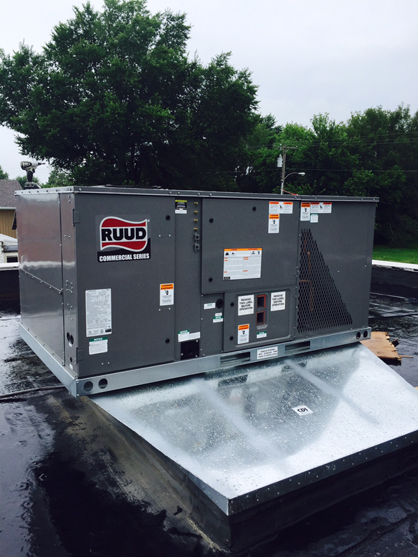 Commercial Heating & Cooling<br>Arnold's Refrigeration Inc.