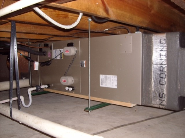 Bryant FE air handler with Ultraviolet Lights. Enclapsulated crawl space