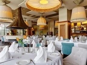 Ресторан на 100 персон в Курортный, м. Комендантский Проспект
