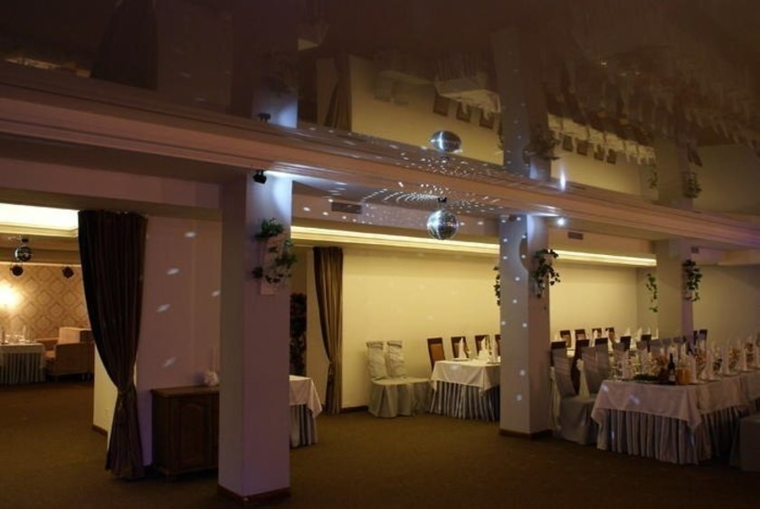 Ресторан, Банкетный зал на 120 персон в Приморский, м. Старая Деревня, м. Комендантский Проспект, м. Черная Речка от 1700 руб. на человека