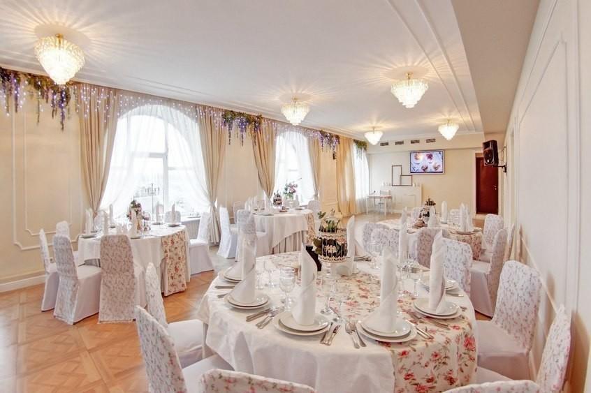 Банкетный зал на 90 персон в Красногвардейский, м. Новочеркасская, м. Ладожская от 2000 руб. на человека
