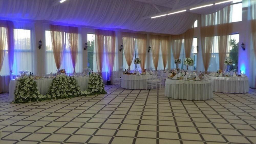Банкетный зал, За городом на 250 персон в Петродворцовый, м. Проспект Ветеранов от 3000 руб. на человека