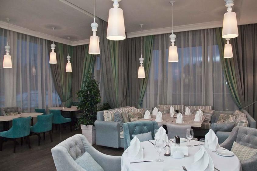 Ресторан, Банкетный зал, За городом на 50 персон в Курортный, м. Комендантский Проспект от 3500 руб. на человека