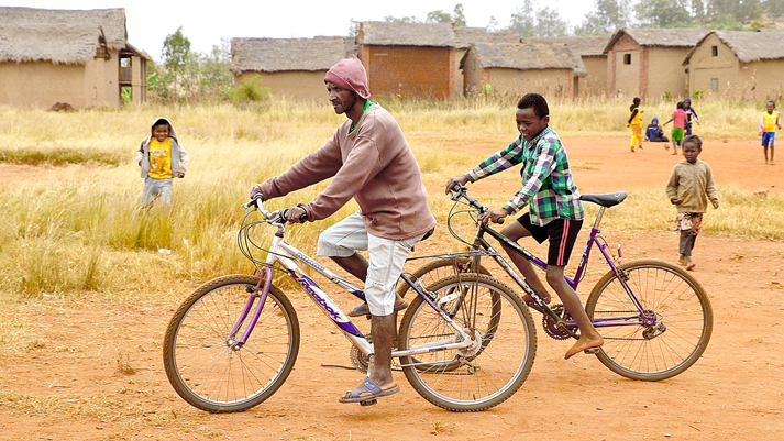 Donate bicycles to help people in Madagascar