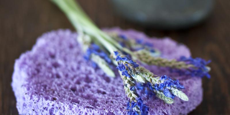 <em>Edit Article</em> Healing Beauty Rituals for Summer