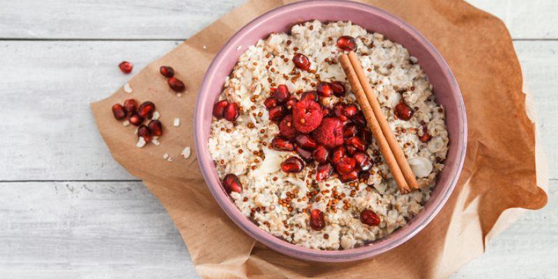 cinnamon-sprinkles-on-oatmeal