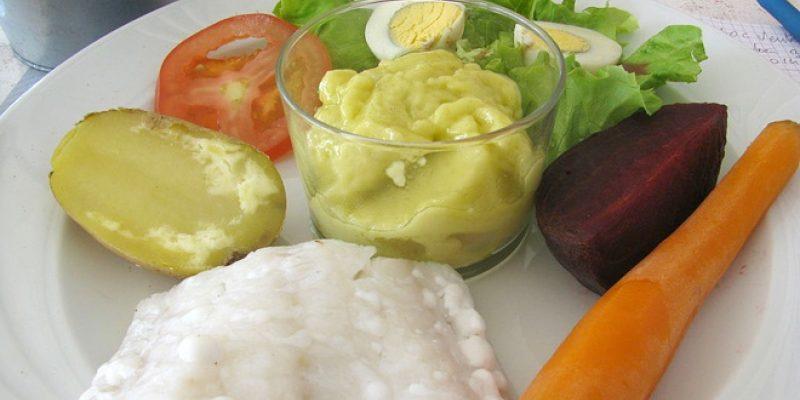 Garlic aioli and fresh vegetables