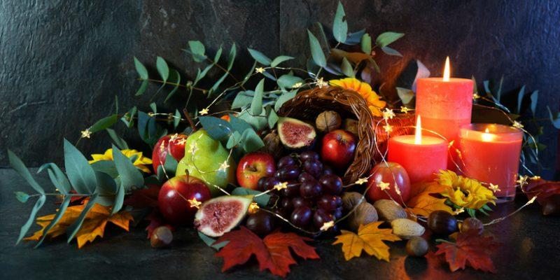 Thanksgiving cornucopia display