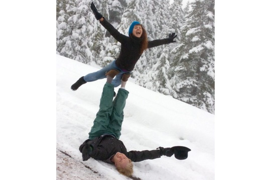 Acro Yoga in snow