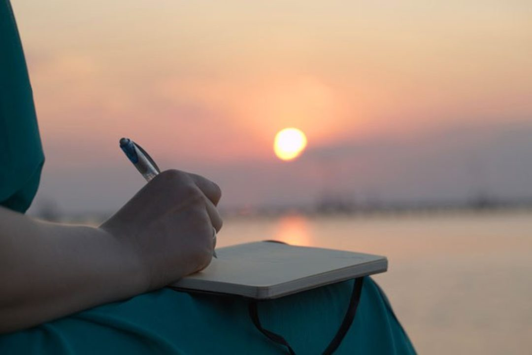 7 different ways to journal to help you create reflect and explore