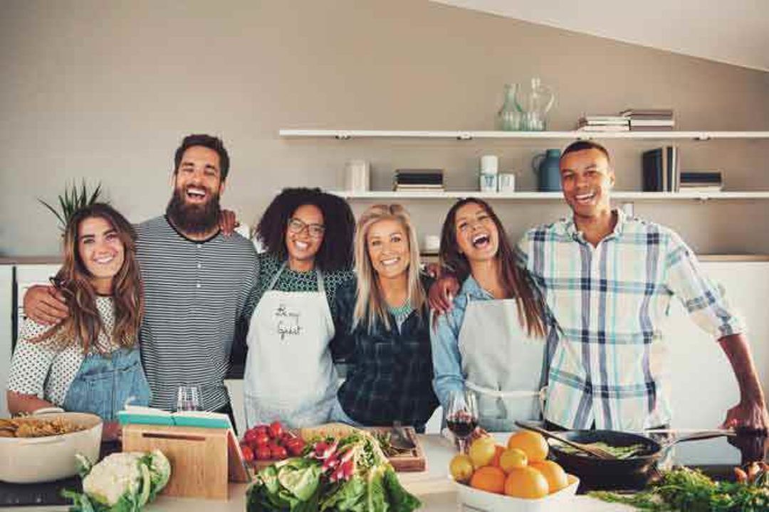 <em>Edit Article</em> 11 Ways to Connect with a Group
