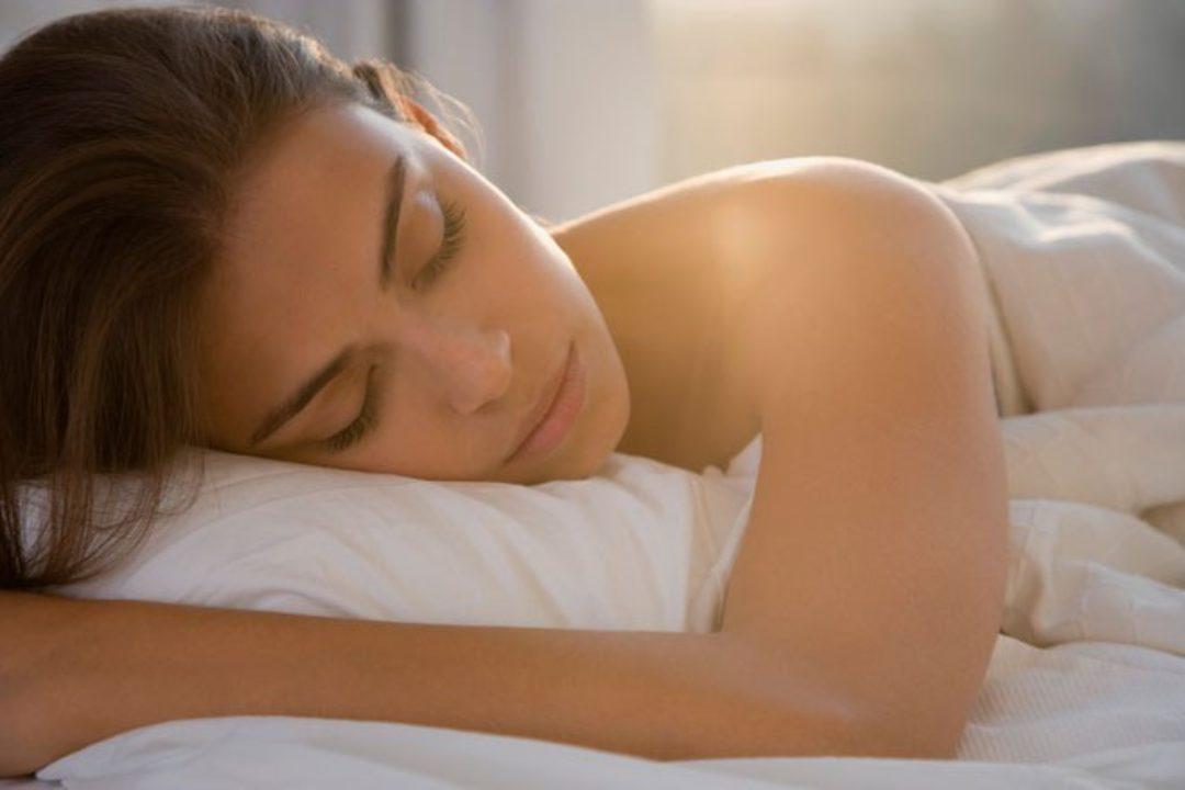 <em>Edit Article</em> 4 Ways To Create a Healthy Sleep Schedule