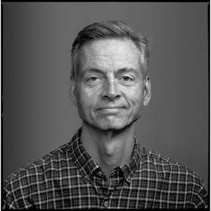 Headshot of author Robert Wright